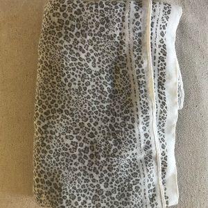 Gap Gray Leopard Scarf
